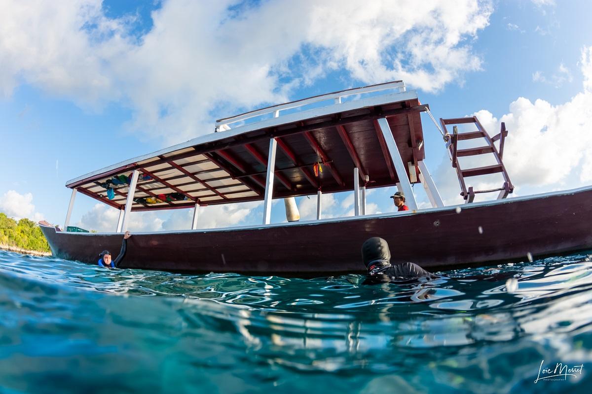 dive boat sulawesi dive trek wakatobi